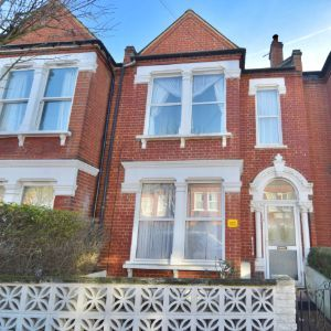 137 Boundaries Road, London, SW12 8HD