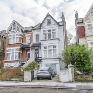 Knollys Road, London, SW16