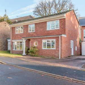 Woodlands Close, Camberley, GU17 9HZ