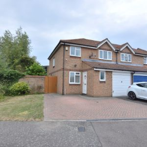 Danbury Crescent, South Ockendon, RM15