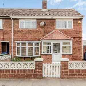 Fleethall Grove, , Grays, RM16