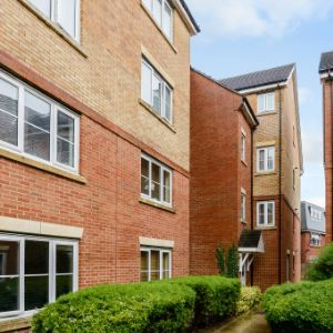 Flat,  Akers Court, High Street, Waltham Cross, EN8