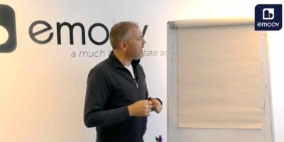 Why is customer service so important at eMoov?